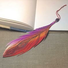 Plume de papier peinte à la main (marque-page, décoration...) www.depouceetdemi.com/#!product/prd1/1580319155/plume
