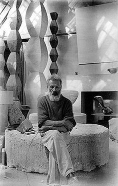 """Brancusi.  Ro: """"Sunt imbecili cei care spun despre lucrările mele că ar fi abstracte; ceea ce ei numesc abstract este cel mai pur realism, deoarece realitatea nu este reprezentată de forma exterioară, ci de ideea din spatele ei, de esenţa lucrurilor(Brâncuşi). En: """"They are imbeciles who call my work abstract. That which they call abstract is the most realistic, because what is real is not the exterior but the idea, the essence of things."""" (Constantin Brancusi)"""