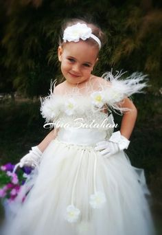 Flower girl dress Vintage flower girl tutu dress by AnaBalahan
