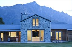 Elegant yet harmonious in a bold backdrop Luxury Real Estate, New Zealand, Backdrops, Exterior, Cabin, Mansions, Elegant, House Styles, Home Decor