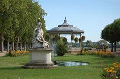 Gravel Bank, the esplanade of Agen was an island on the Garonne river.