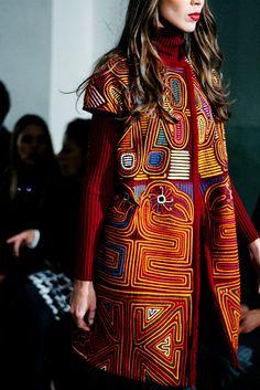 Amelia Toro en Bogota Fashion Week 2016 ~beautiful play of shape and colors~ c
