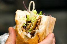 Recette de kebab de poulet au Thermomix TM31 ou TM5. Réalisez ce plat principal en mode étape par étape comme sur votre robot !
