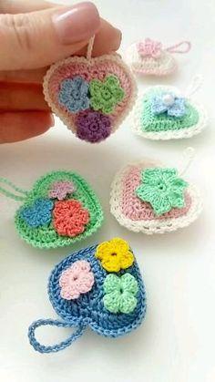 Easter Crochet, Crochet Bear, Crochet Gifts, Cute Crochet, Granny Square Crochet Pattern, Crochet Motif, Crochet Flower Tutorial, Crochet Flowers, Crochet Toys Patterns