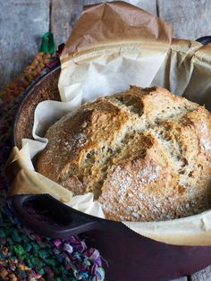 Eltefritt bread with hazelnuts and oats Piece Of Bread, Dessert Recipes, Desserts, Camembert Cheese, Banana Bread, Scones, Food And Drink, Chocolate, Cooking