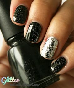 I do this all the time with my nails except i do a shiny black nail and finer silver glitter on the ring finger :)