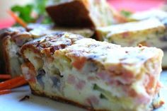 Check out this delicious recipe for All-In-One Quiche from Weber—the world's number one authority in grilling. Quiche Recipes, Vegetable Recipes, Casserole Dishes, Casserole Recipes, Weber Q Recipes, Weber Bbq, Food For A Crowd, Camping Meals, Cheddar