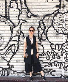 O Colete de Alfataria é uma peça super versátil e democrática pois deixa qualquer visual mais arrojado. Completa os mais diversos estilo, seja em looks mais despojados aos mais cleans e sérios. Invista em um e você terá uma peça para a eternidade... rs 😉 #gilet #mylook #colete #moda #fashion #dicafashion #lookdodia #lookofday #dailylook #personalstyle #fashiongram #stylegram #wiw #wiwt