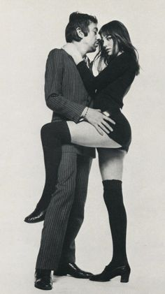 Serge Gainsbourg and Jane Birkin, 1969 Photograph by Terry O'Neill Charlotte Gainsbourg, Serge Gainsbourg, Gainsbourg Birkin, Estilo Jane Birkin, Jane Birkin Style, Brigitte Bardot, Mundo Hippie, Rock And Roll Girl, Terry O Neill
