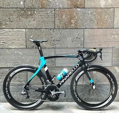 The bike @chrisfroome will ride for the @heraldsuntour. Stem has been slammed, saddle pushed forward, bigger chainring, and C75's are all the adjustments made for the Prologue tomorrow. One awesome #baaw!