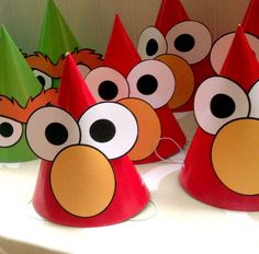 How to Throw a DIY Sesame Street Party that Everyone Will Re.- How to Throw a DIY Sesame Street Party that Everyone Will Remember Sesame Street Party Printable – DIY party hats - Boy Birthday Parties, Birthday Party Decorations, 2nd Birthday, Diy Elmo Decorations, Sesame Street Decorations, Sesame Street Centerpiece, Diy Party Hats, Diy Elmo Birthday Party, Birthday Ideas