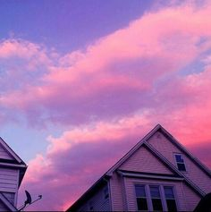 sky, pink, and house kép