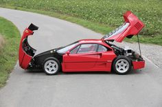 This 1989 Ferrari F40 has an estimated price of $1,090,000 to $1,308,000