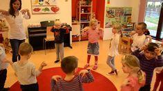 Ranní pozdrav v mateřské škole Music For Kids, Montessori, Kindergarten, Kids Rugs, Dance, Activities, Education, Film, Workout
