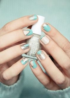 Mint green is the nail polish color of the moment – click for 100 more amazing nail art ideas!