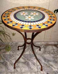 Mosaic Outdoor Table, Outdoor Table Tops, Mosaic Diy, Mosaic Glass, Mosaic Tiles, Mosaic Furniture, Art Furniture, Mosaic Stepping Stones, Mosaic Madness