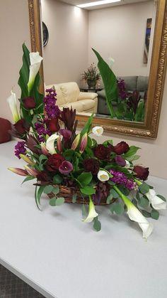 Easter Flower Arrangements, Flower Arrangement Designs, Funeral Flower Arrangements, Beautiful Flower Arrangements, Floral Arrangements, Beautiful Flowers, Altar Flowers, Church Flowers, Funeral Bouquet