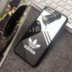 アディダスオリジナルス iPhone7 Plus/iPhone7 Plusケース、TPUやハードケース。スポーツブランド「アディダス」のケースが非常に人気と注目を集めている。