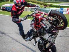 Motorcycle Stunting Videos, Bike Stunt Tips and More | Super Streetbike