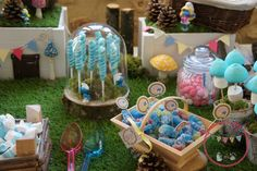smurf candy bar Bar, Candy, Table Decorations, Home Decor, Daughter, Sweet, Homemade Home Decor, Toffee, Candy Notes