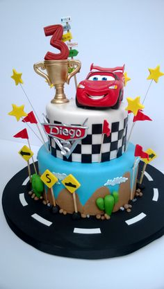 PASTEL DE CARS Disney Cars Cake, Disney Cars Party, Disney Cars Birthday, Cars Birthday Parties, Cars Theme Cake, Car Themes, Mcqueen Cake, 2 Baby, Cakes For Boys