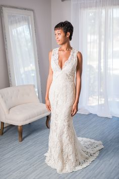 176 best wedding dress rentals images on pinterest neckline jim hjelm jh8663 this jim hjelm gown is just perfect it features stunning used wedding dresseswedding junglespirit Choice Image