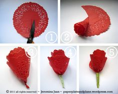 Paper roses made with red doilies - easy and fast to give on St Jordi Mothers Day Crafts, Valentine Day Crafts, Holiday Crafts, Fun Crafts, Crafts For Kids, Valentine Flowers, Vintage Valentines, Handmade Flowers, Diy Flowers