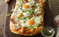 Bacon and Eggs Pizza with Basil Oil- Bord Bia Irish Recipes, New Recipes, Lemon Pizza, Irish Bacon, Egg Pizza, Bacon Egg, Delicious Dinner Recipes, Bacon Recipes, Restaurant Recipes