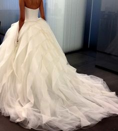 The FashionBrides is the largest online directory dedicated to bridal designers and wedding gowns. Find the gown you always dreamed for a fairy tale wedding. Wedding Robe, Dream Wedding Dresses, Tule Wedding Dress, Chanel Wedding Dress, Modest Wedding, Elegant Wedding, Yes To The Dress, Wedding Goals, Wedding Shit