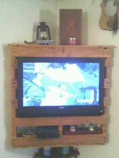 Realizzare un porta TV con i pallet! Lasciatevi ispirare...