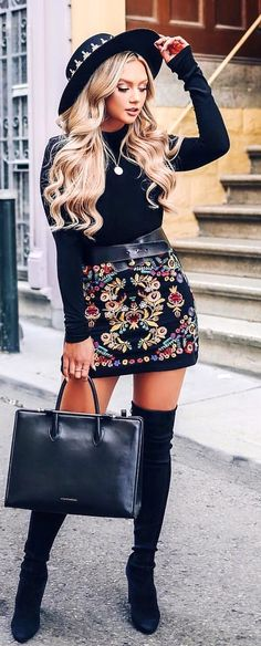 Best Fall Outfits That Are Just Really Cute To help you get a stylish new look we have found over 30 cute fall outfit ideas. There is something for everyone whether you like comfy or colorful fashion. Cute Fall Outfits, Fall Winter Outfits, Spring Outfits, Casual Outfits, Fall Skirt Outfits, Mini Skirt Outfit Winter, High Fashion Outfits, Fall Skirts, Fall Dresses