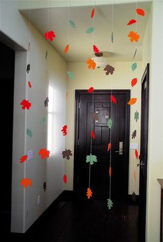 Get out your fall-colored paper and some scissors and get started on this easy Thanksgiving Leaves Paper Garland. Perfect to hang around the house all Autumn long, this fall foliage garland is especially great for a Thanksgiving decoration. Thanksgiving Crafts, Thanksgiving Decorations, Fall Crafts, Holiday Crafts, Holiday Fun, Crafts For Kids, Holiday Decor, Thanksgiving Feast, Winter Holiday