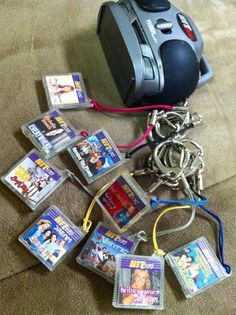 90s toys - what was the point of hit clips, exactly? I guess it was the 90's iPod | http://amazingelectronictoysmargarette.blogspot.com