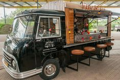 New food truck van mobile bar ideas Food Cart Design, Food Truck Design, Foodtrucks Ideas, Coffee Food Truck, Mobile Coffee Shop, Coffee Trailer, Mobile Food Trucks, Mobile Cafe, Coffee Van