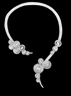 Boucheron- This necklace is only made with diamonds on a white gold base.