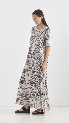 Combo Maxi Tee Dress By Raquel Allegra Grey Black Tie Dye Fashion Design