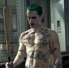 joker, suicide squad, and jared leto image Der Joker, Joker Und Harley Quinn, Joker And Harley Costumes, Jared Leto Joker, Jared Leto Movies, Dc Comics Peliculas, Kings & Queens, Chantal, Bob Kane