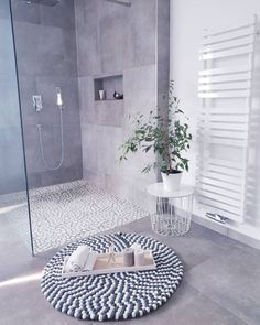 Kitchen Decorating and Remodeling Trends for Homeowners Kitchen Decorating and Remodeling Trends for Homeowners,Our House bathroom trends 2019 - minimalism Decor Bathroom Trends, Kitchen Trends, Bathroom Interior, Modern Bathroom, Small Bathroom, White Bathroom, Garden Bathroom, Family Bathroom, Bathroom Toilets