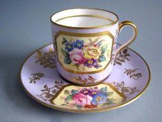 Šálek na čaj • porcelán s malovaným obrázkem