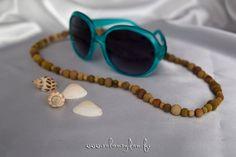 Irma on valmistanut ihania silmälasinauhoja kasvivärjätyistä puuhelmistä!  http://www.salonsydan.fi/tuote/ekologisesti-varjatty-joustava-silmalasinauha-8/ #Eko #ekologinen #aurinkolasit #blehat