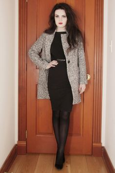 Life In Red Lipstick: Outfits Pantyhose Fashion, Pantyhose Outfits, Chic Outfits, Fall Outfits, Fashion Outfits, Nice Dresses, Short Dresses, All Black Outfit, Classic Style Women
