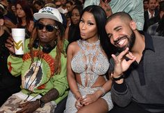 The 2017 Billboard Music Awards took place last night at the T-Mobile Arena in Las Vegas. Nicki Minaj hit the stage with special guests Jason Derulo, David Guetta, Lil Wayne, Bruno Mars and Drake to