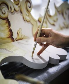 """You see, every region of Italy has its own traditional cottage industry. And for over 400 years, ours has been painting and decoration for the finest homes, villas and palaces in the world. All by hand"" ————————————————— #Italianfurniture #venetianinteriors #art #architecture #italianart #paintedfurniture #handmade #handpainted #interiordesign #luxuryhotels #luxuryhome #homedecor #design #finepaintedfurniture #hhl #holidayhouselondon #venetianfurniture #venice #instavenice #venezia…"