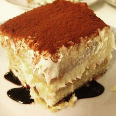 Bedste Tiramisu Ever! Bedste Tiramisu Ever! Frozen Desserts, Cookie Desserts, Sweets Cake, Cupcake Cakes, Cake Recipes, Dessert Recipes, Cooking Cake, Recipes From Heaven, Christmas Desserts