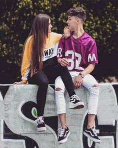 Fotos tumblr de amigos inseparables creativas Cool Girl Pictures, Cute Couple Pictures, Best Friend Pictures, Friend Photos, Girl Photos, Teen Girl Outfits, Couple Outfits, Photography Poses For Men, Girl Photography