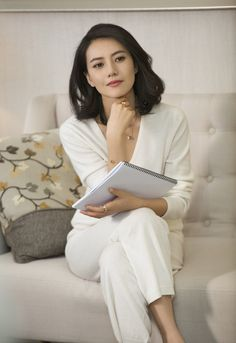 Gao Yuanyuan is a beautiful Chinese Actress - Tibba Korean Beauty, Asian Beauty, Gao Yuanyuan, Middle Aged Women, Hottest Female Celebrities, Good Looking Women, Chinese Actress, Modern Outfits, Korean Women