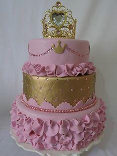 BOLO DE 15 ANOS...BOLO DE DEBUTANTE...15 YEARS CAKE...BIRTHDAY CAKE...BOLO DE ANIVERSÁRIO...BOLO DECORADO...DECORATED CAKE...BOLO DOS SONHOS...CAKES...WONDERFUL CAKE