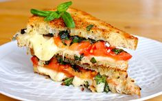 caprese grilled cheese UHM... YUM!