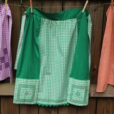 Vintage gingham apron...My grandma made soooo many of these, for her, my mom, and her sisters. They were all so pretty! <3
