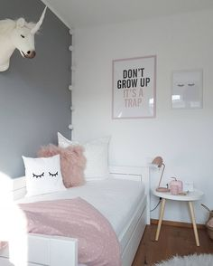 43 cute and girly bedroom decorating tips for girl 24 Small Bedroom Ideas Bedroom cute Decorating Girl Girly Tips Cute Bedroom Ideas, Cute Room Decor, Girl Bedroom Designs, Bedroom Themes, Room Decor Bedroom, Girls Bedroom, Teen Bedroom Colors, Girl Rooms, Teenage Room Designs